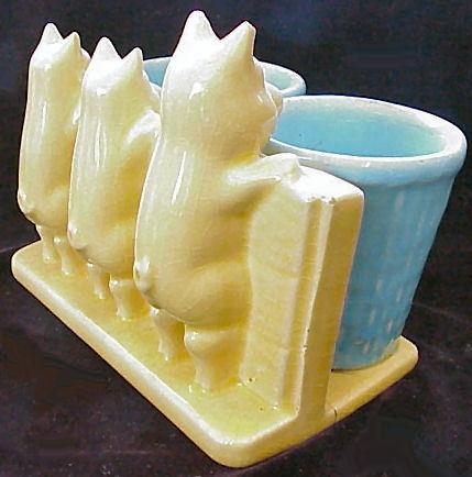 Morton Pottery 3 Little Pigs Planter with 2 Pots
