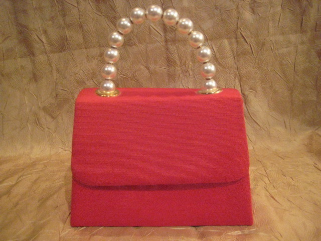 Retro Red Handbag With White Faux Pearls Handle
