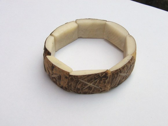 Lot of 10 ethnic bracelets made of coconut, wholesale