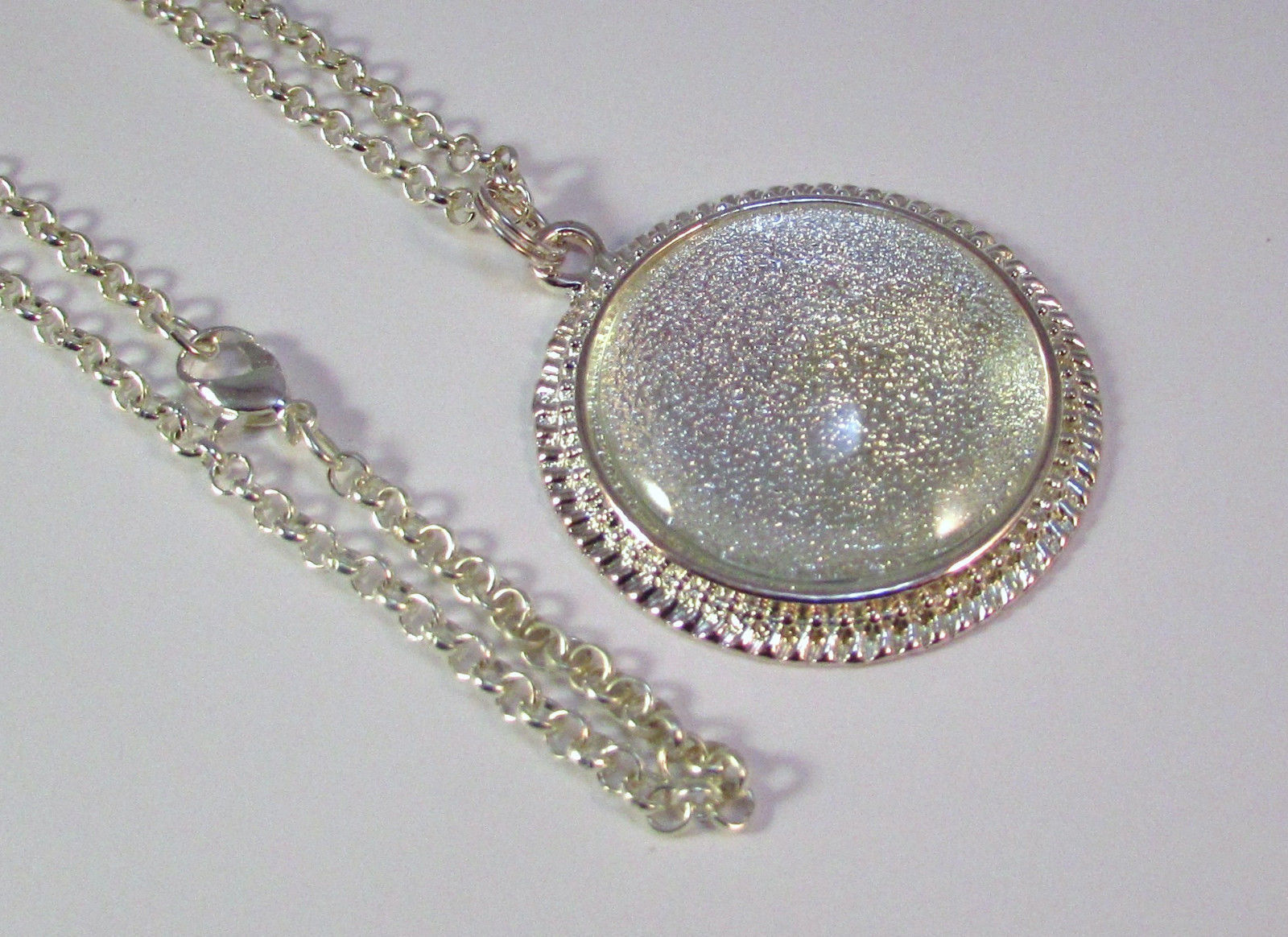 Primary image for Silver Round Pendant Trays Set Includes Glass Tile Insert & 20 Inch Rolo Chain