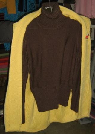 Cardigan and turtleneck sweater made of Alpaca wool