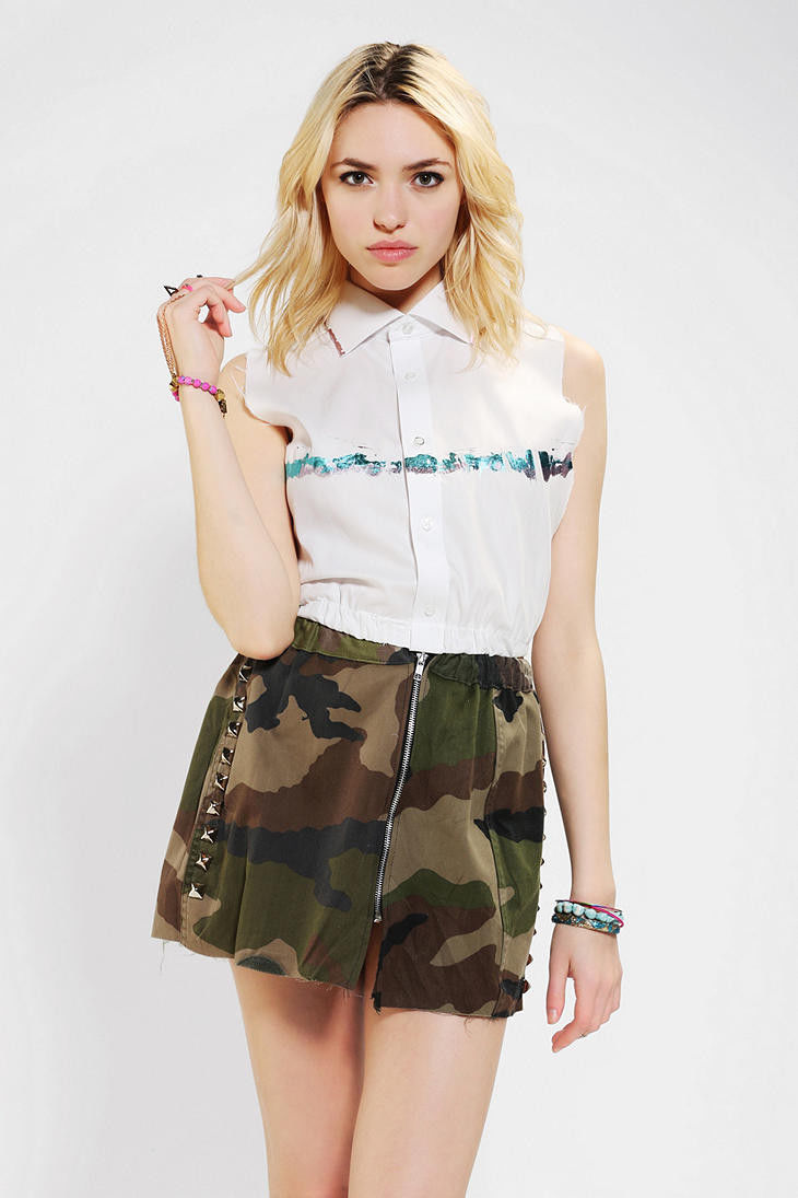 Urban Outfitters Foil trim Sleeveless top, sz. L - MSRP $59