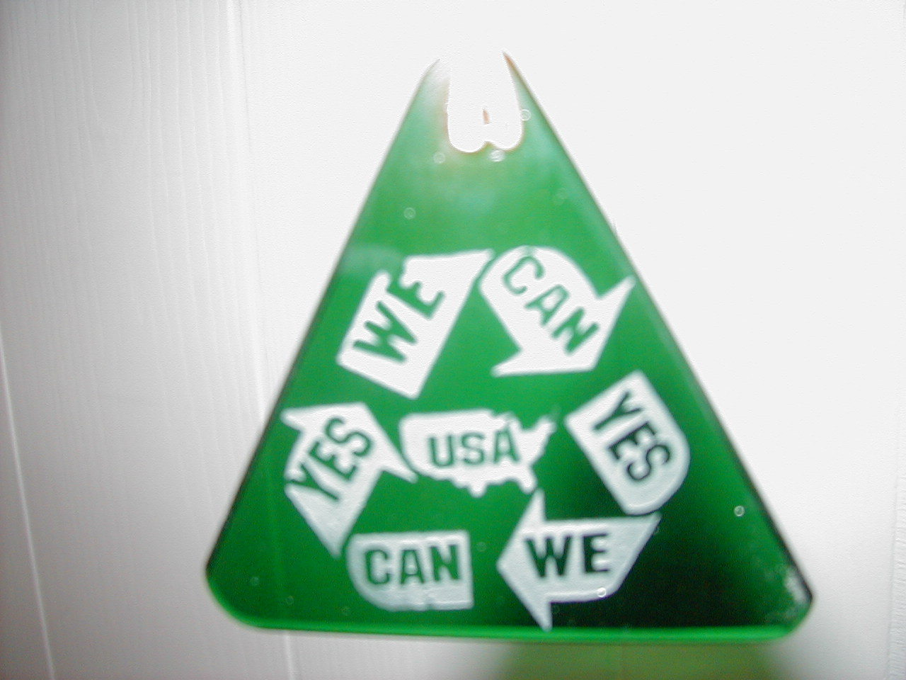 YES WE CAN USA Green recycle pendant
