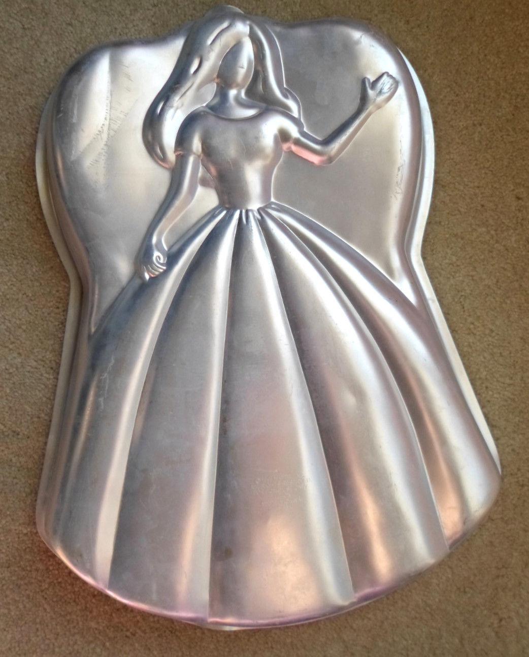 """Wilton Cake Pan 1998""""Princess Barbie Mattel 2105-3550 Aluminum Mold  15"""" x 11"""""""