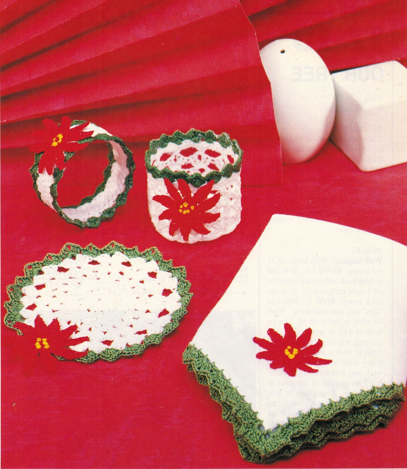 Xmas Skaters Sharing Mat Santa Rose Pillow Coasters Wall Hanging CROCHET Pattern