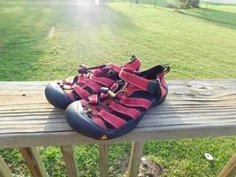 KEEN Womens 'Newport H2' Red & Black Flat Sandals WATERPROOF Sz 5 - $21.21