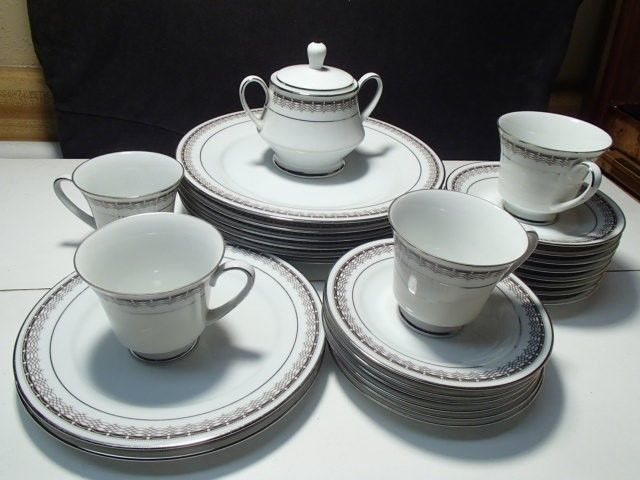 "Primary image for 26 PIECES NORITAKE ""BARSTOW"" DINNERWARE CHINA~~dinner plts~etc~mid century"