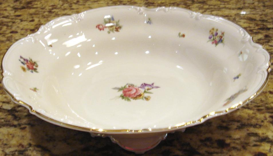 MAYFAIR by Hutschenreuther Round Footed Open Vegetable Bowl