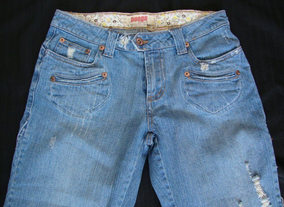 BONGO DISTRESSED DESTROYED Stretch  CAPRI JEANS  sz,7