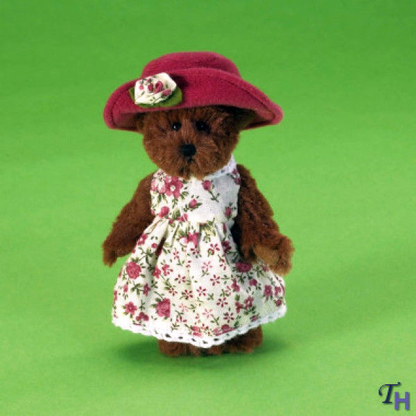 "Primary image for Boyds Bears Lil' Darlin ""Annie""  #4021486- 5"" Mini Bear-NWT- 2010- Retired"