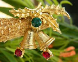 Vintage Christmas Holly Bells Rhinestone Brooch Pin Winter Holiday - $14.95