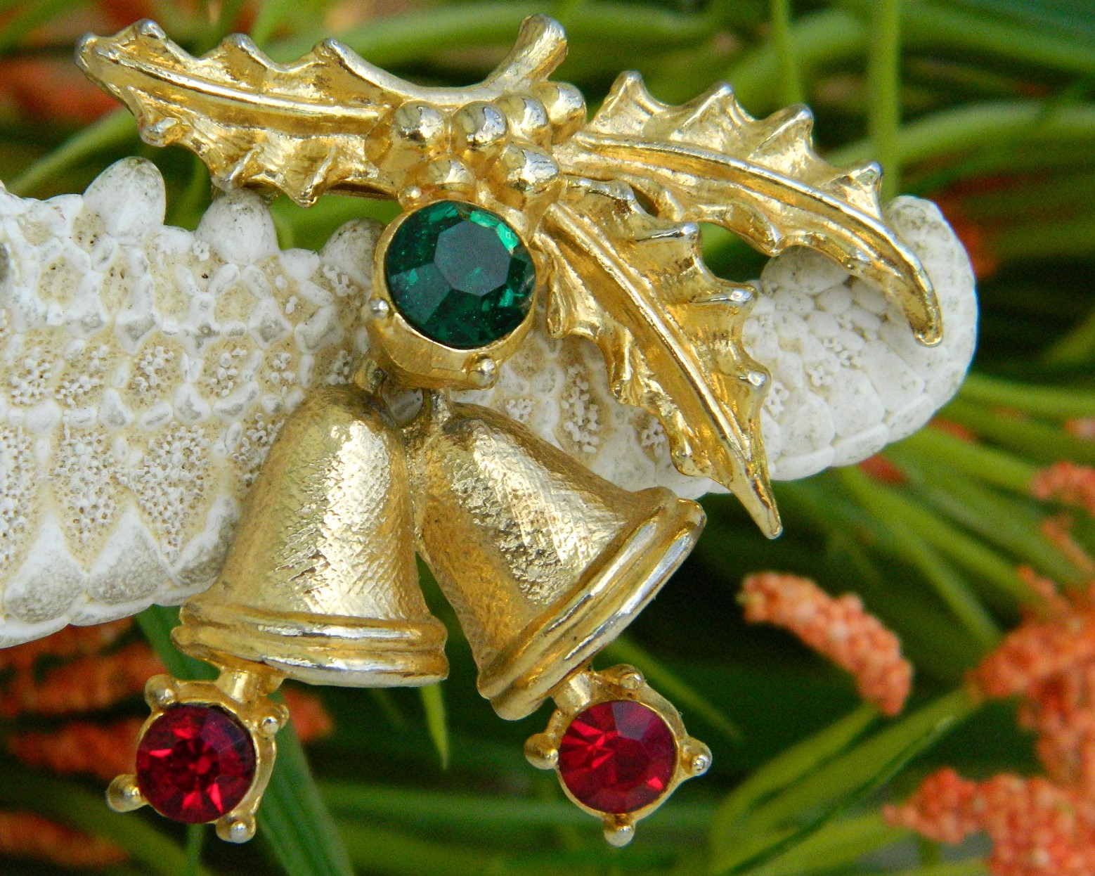 Vintage Christmas Holly Bells Rhinestone Brooch Pin Winter Holiday