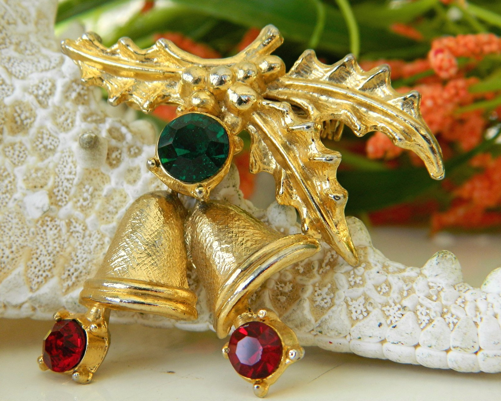 Vintage Christmas Holly Bells Rhinestone Brooch Pin Winter Holiday image 6