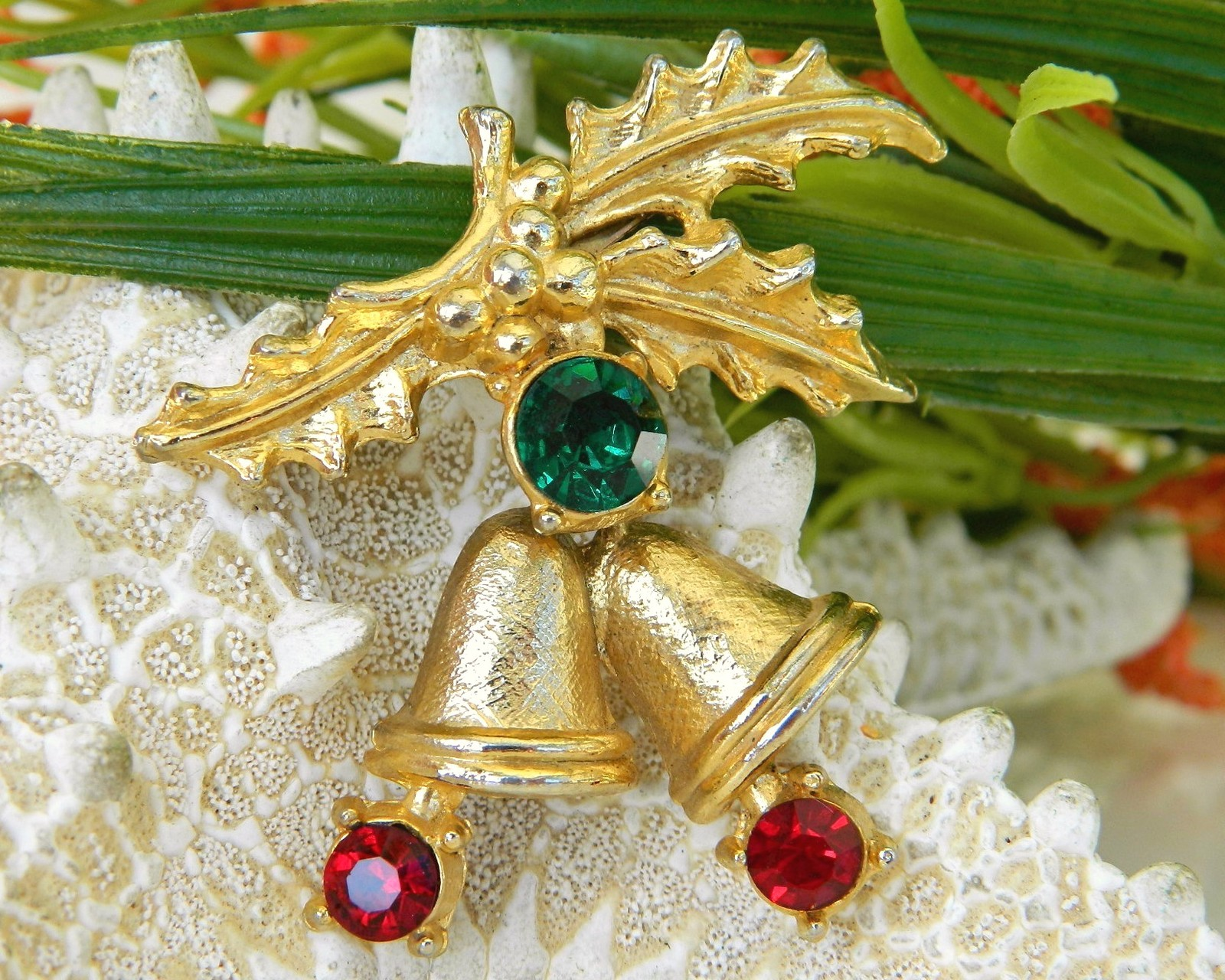 Vintage Christmas Holly Bells Rhinestone Brooch Pin Winter Holiday image 7