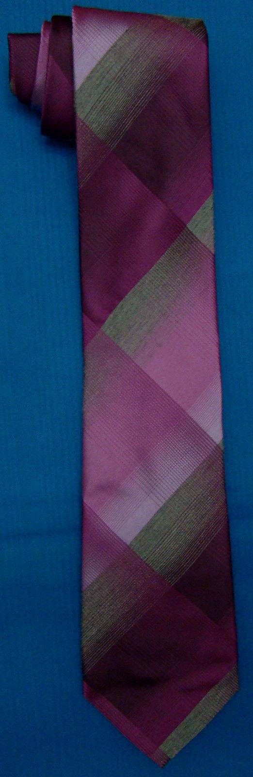 Kenneth Cole Rottweiler Plaid 100% Silk Neck Tie