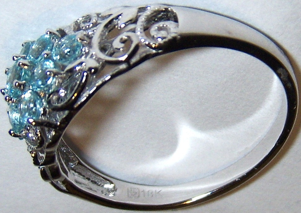 18K WHITE GOLD BLUE APATITE ROUND COCKTAIL RING, SIZE 7.5, 0.59(TCW), 2.50 GRAMS