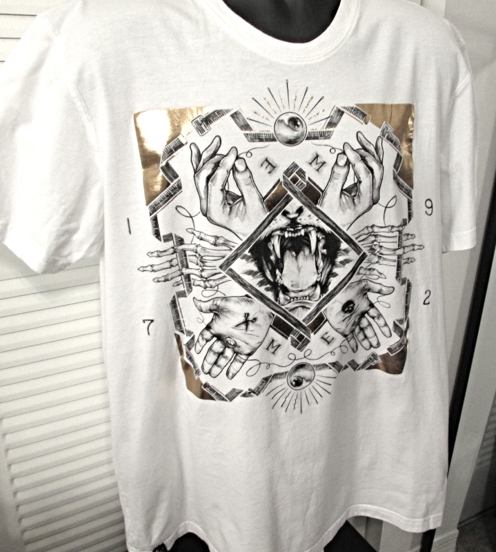 "Marc Ecko Men's Graphic White T-Shirt ""Hands & Vicious Dog Teeth"" Print Size: XL"