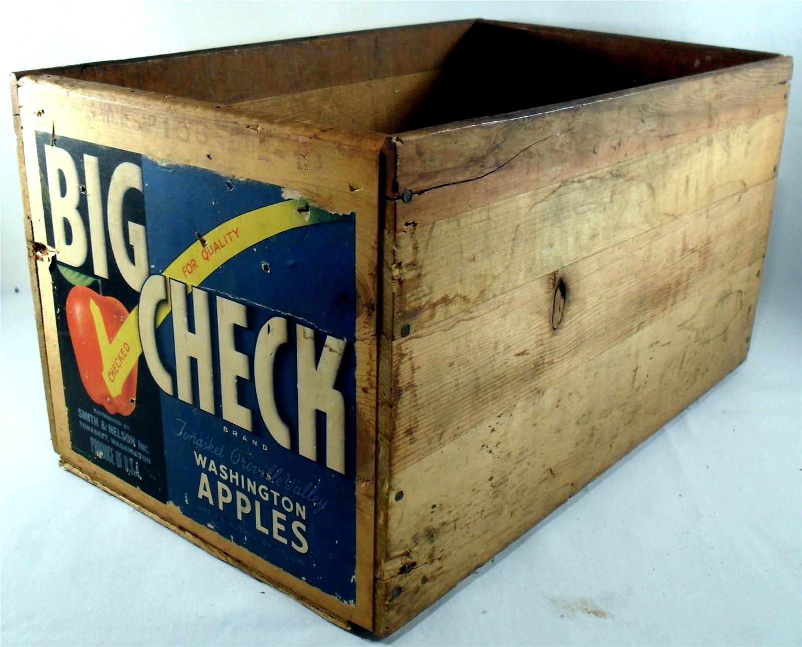 Vintage 1950 big check washington apple crate primitives for Antique apple crates