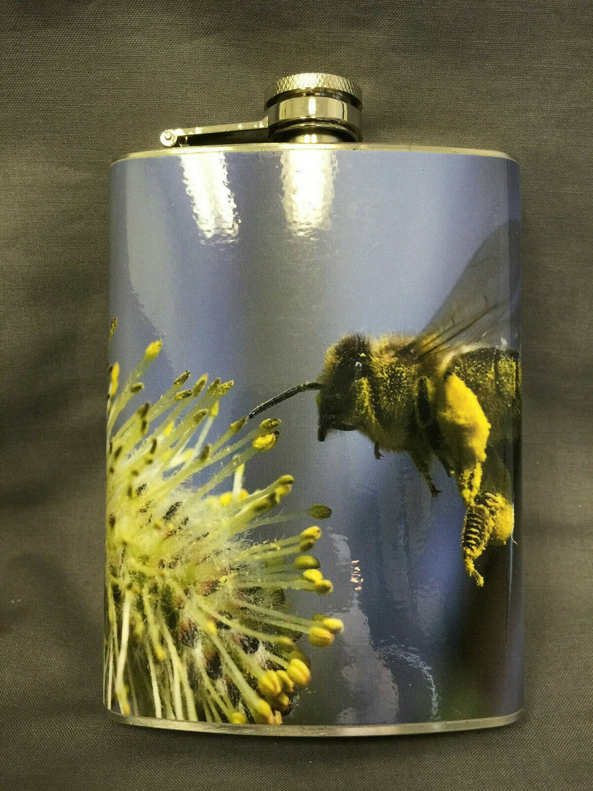 Bee Insect D3 Flask 8oz Stainless Steel Drinking Whiskey Clearance item
