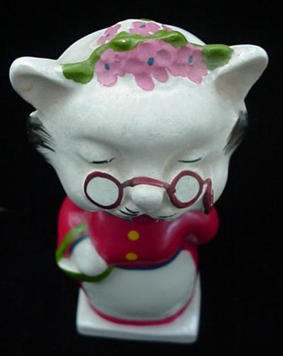 Old Grandma Kitty Cat Pottery Nodder Bobblehead Japan