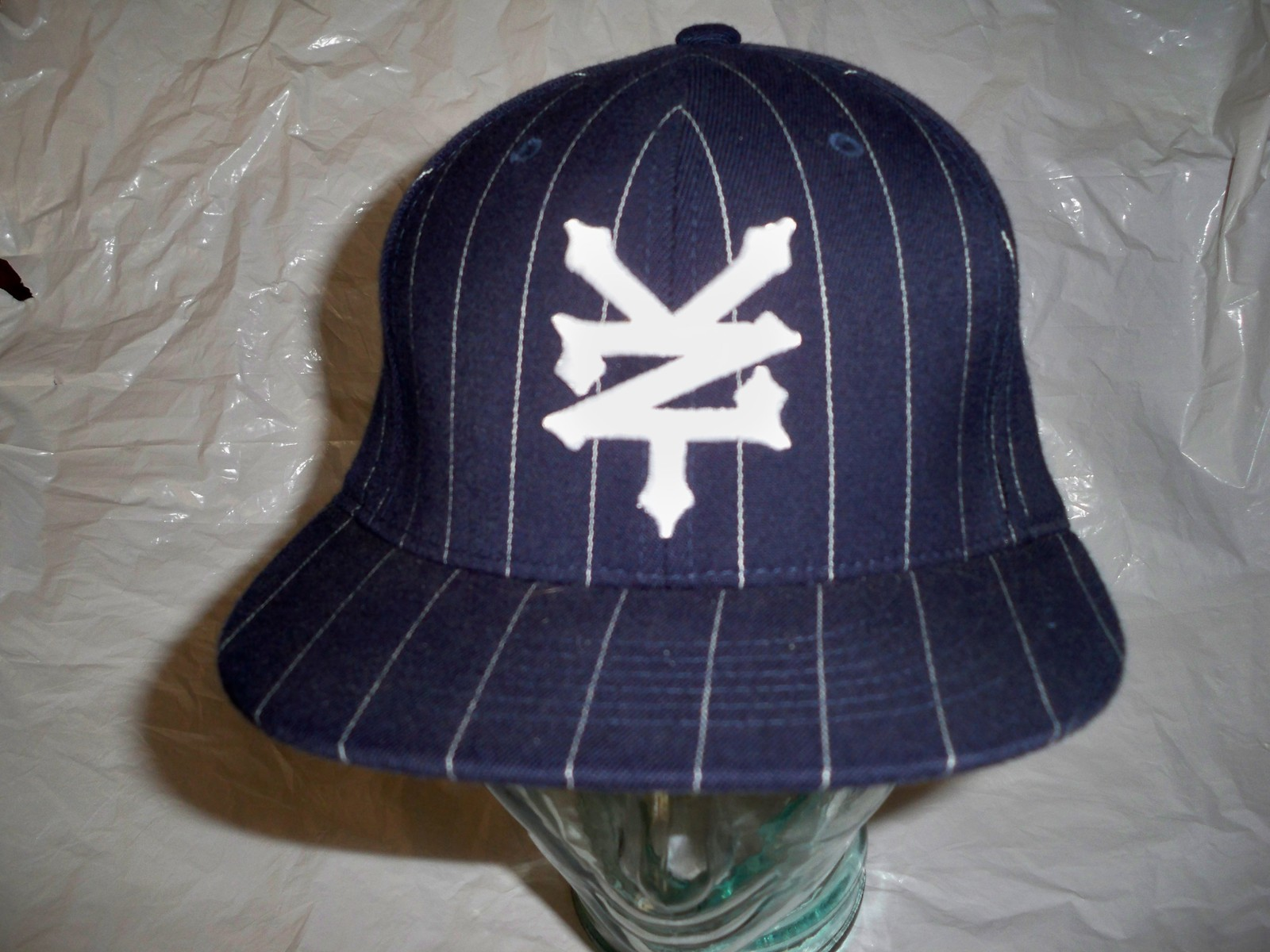 MEN'S ZOO YORK PINSTRIPE HAT/BALL-CAP/LID NAVY W/ WHITE EMBROIDERED LOGO NEW $35