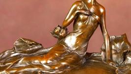 Vintage Art dco Sculpture: La demoiselle au n... - $360.00