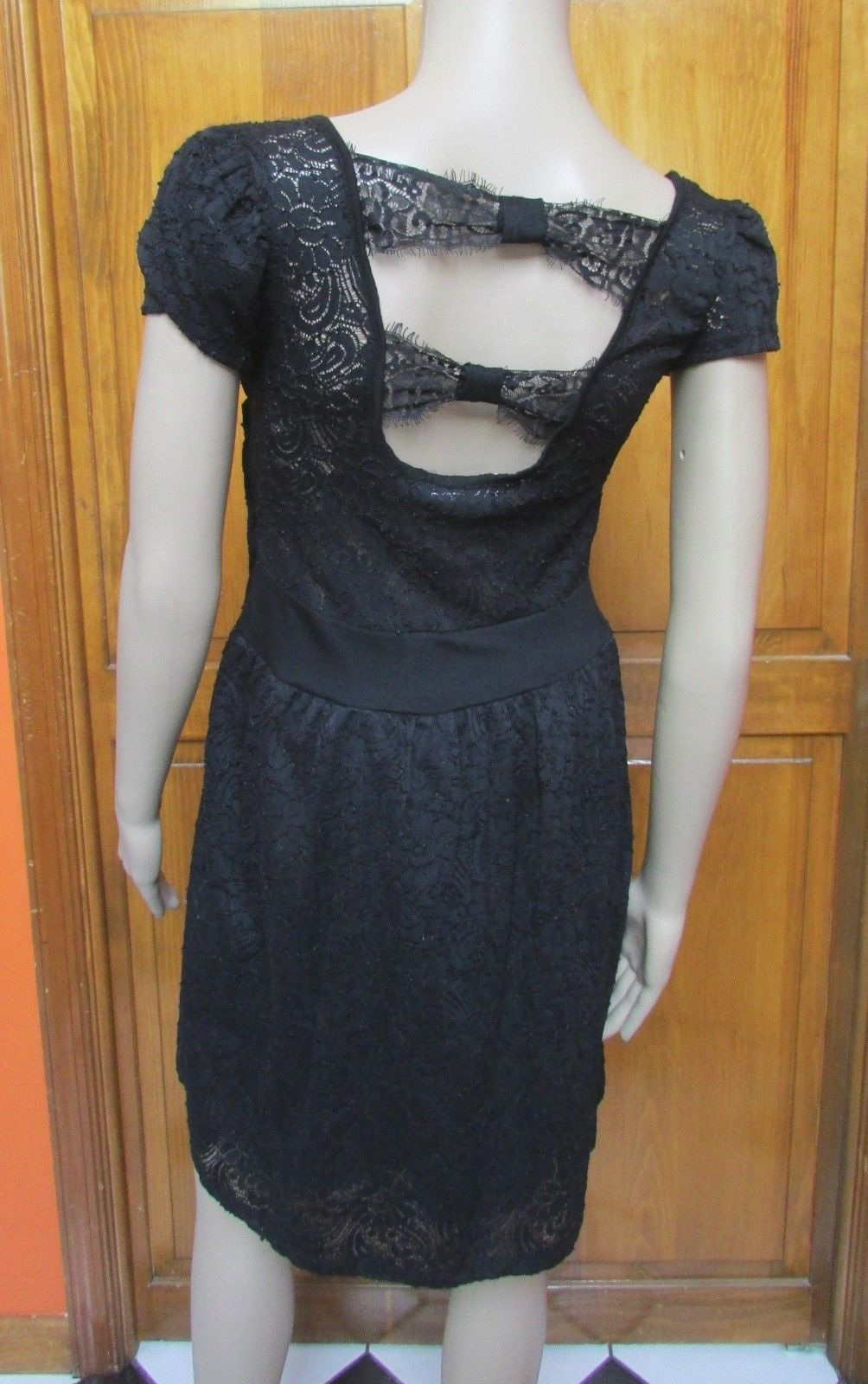 Calvin Klein Black Lace Open Back Cap Sleeve Fit N Flare Sz 2 NWT