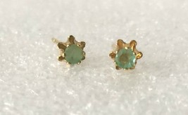 Vintage Genuine Green Gemstone 3mm D Gold Tone Flower Stud Earrings - $17.33