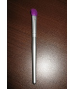 Minerals Eye Shadow Angled Blending Brush 5.25 in Silver Handle New! #D448 - $7.99