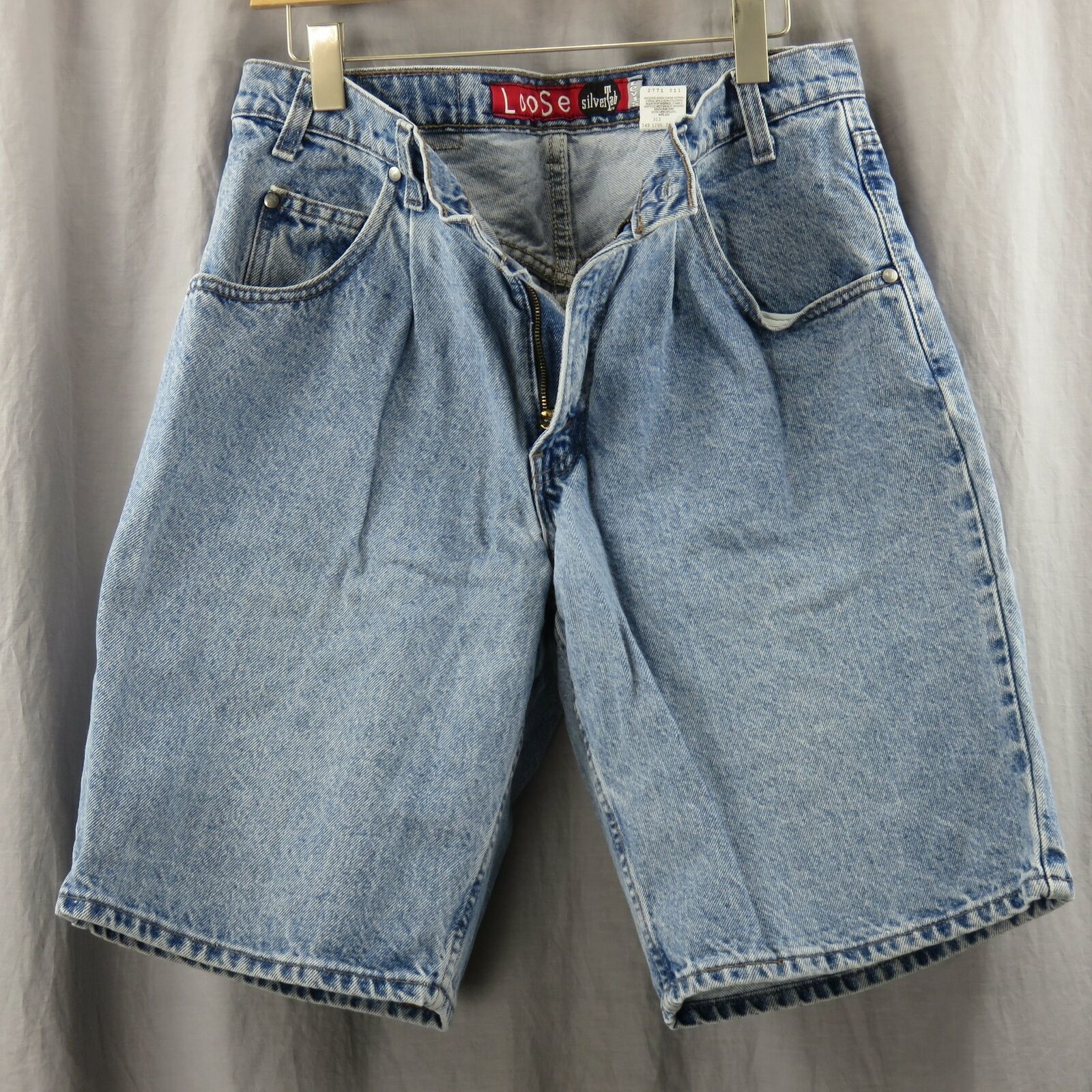 Levis Vintage Silvertab Loose Jean Shorts Size 32 Made In USA Pleated