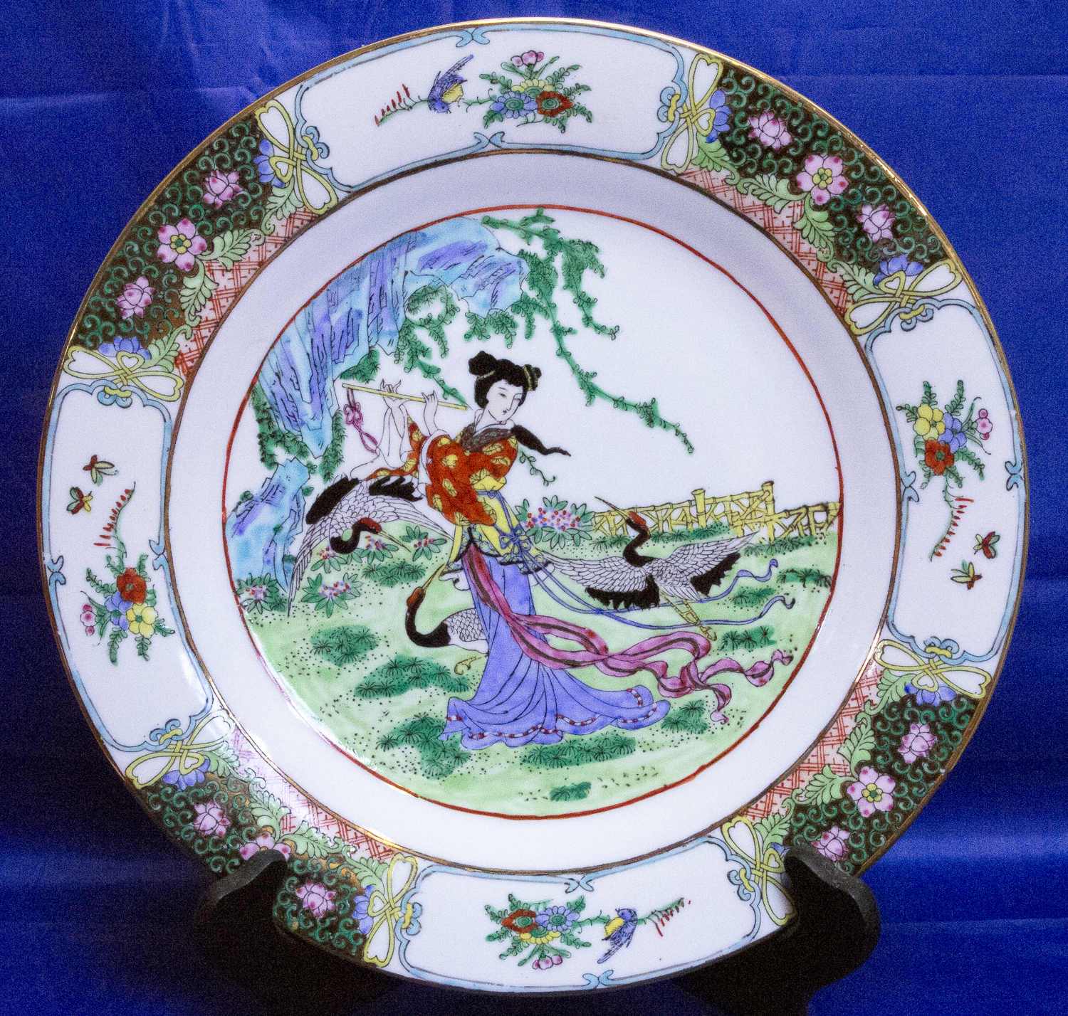 Hand Painted Plates : Beautiful large hand painted decorated porcelain plate