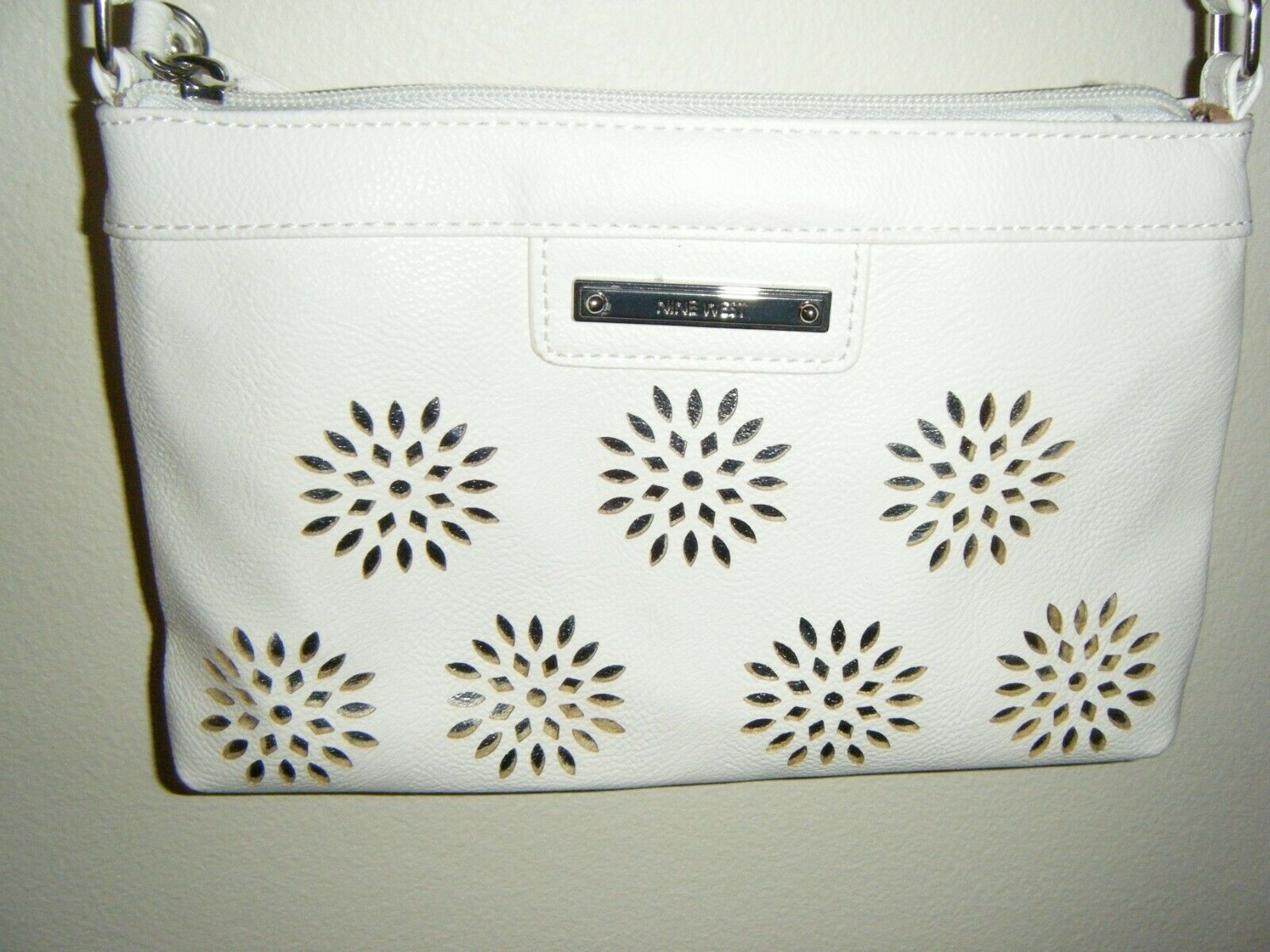 NINE WEST WHITE WITH SILVER ACCENT CROSSBOW PURSE - $8.99