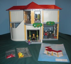 Vintage Playmobil #5923 School 99% Complete/NEAR MINT! (A) - $110.00