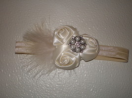 Baby Girl Skinny Ivory Headband With Three Satin Ivory Buds With Feathers - $9.50