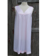Vanity Fair Short Nightgown Size Large Pink - $18.99