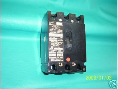 Cutler Hammer 15 Amp Circuit Breaker EHC3015