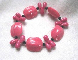 Stretch Bracelet Dark Pink & Black  Acrylic Beads Scrap Ditty Upcycled - $6.46