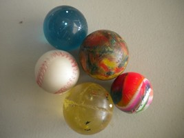 Bag of 5 Assorted Rubber Bouncing Balls Toys Play Game - $11.80 CAD