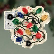 Christmas Lights Winter Holiday 2013 Seasonal ornament pin kit cross sti... - $6.30