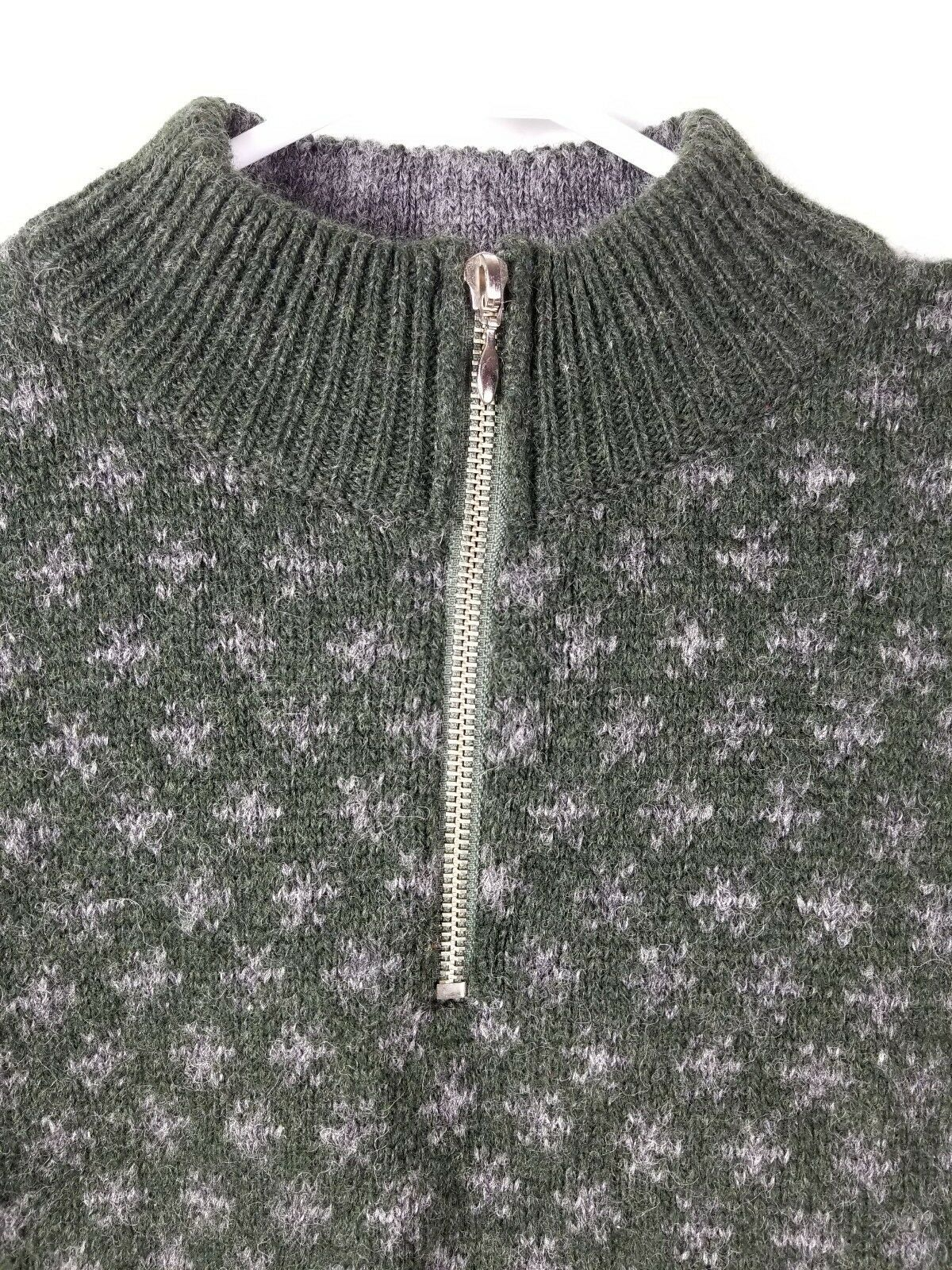 J Crew Outfitters Mens Sz XL Sweater Vintage Crewneck Pullover Wool Green Gray