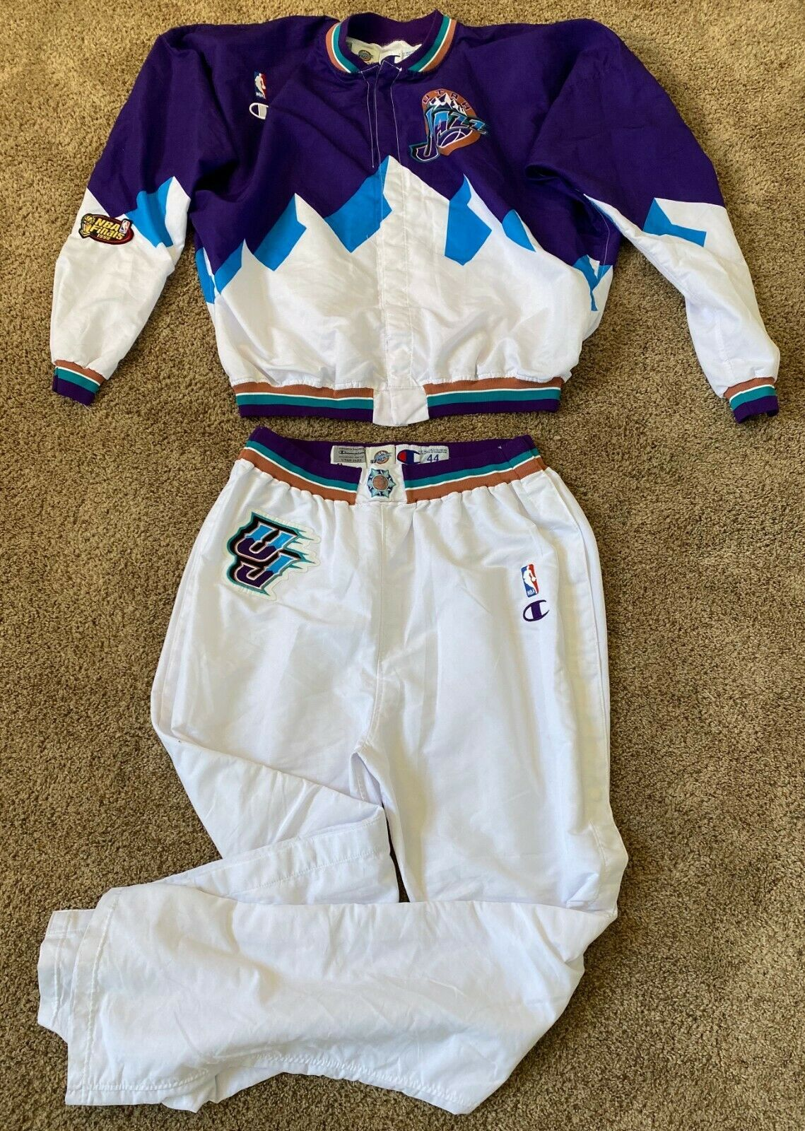 Primary image for CHRIS MORRIS 1998 NBA FINALS UTAH JAZZ MOUNTAIN GAME USED JACKET PANTS JERSEY