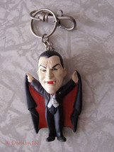 Universal Studios Monster Dracula Keychain Vampire 1999 - $16.99