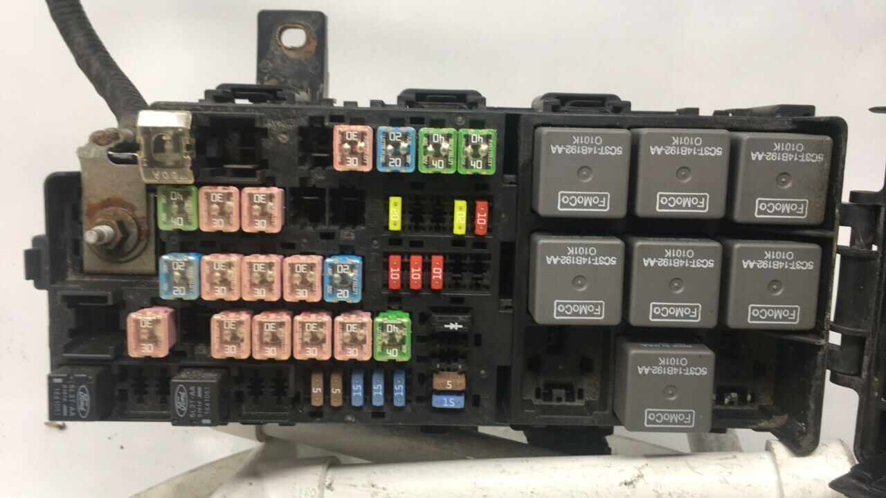2012-2014 Ford Mustang Fusebox Fuse Box Relay Module 24128   Controls