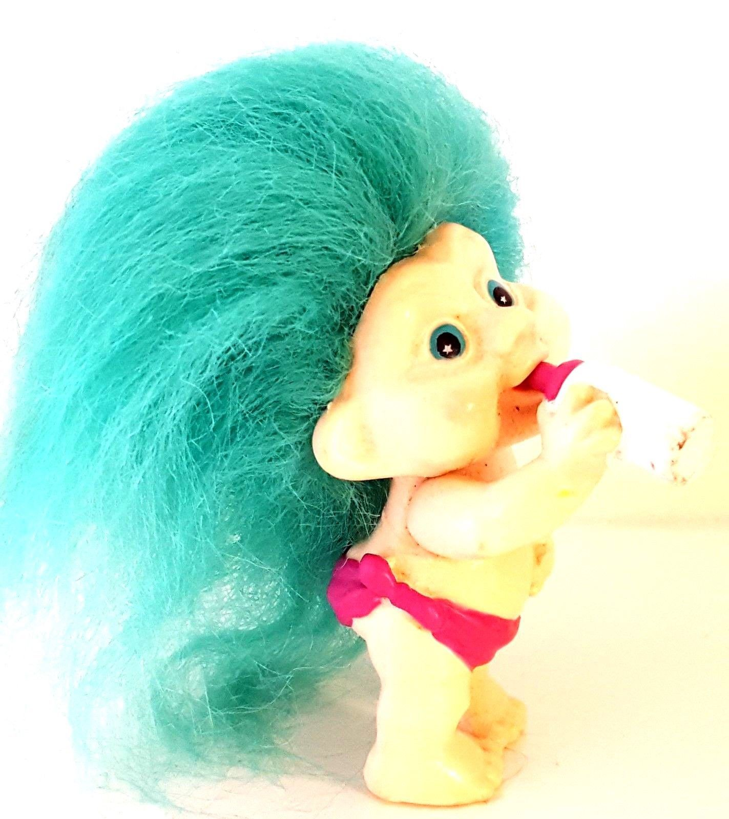 """MAGIC TROLLS - APPLAUSE INC 1991 – Vintage Baby Troll with Bottle - 3"""""""