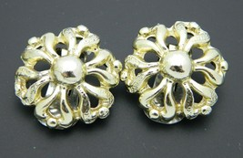 Gold Tone Flower Clip On Earrings Vintage - $13.86