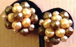 Vintage 1950s Pearlized Dark Brown Light Tan Faceted Bead Cluster Clip E... - $28.94