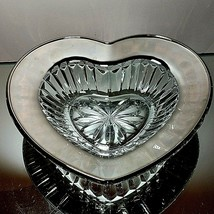 1 (One) MIKASA DESIRE PLATINUM Cut Crystal Heart Dish With Platinum Trim - $18.04