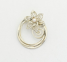 Vintage Art Nouveau Gold Tone Flower Floral Brooch H4 - $13.99