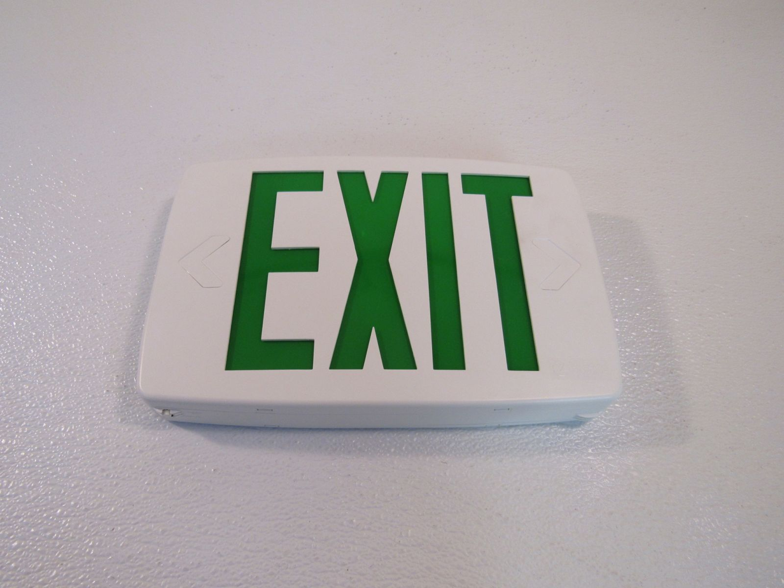 Lithonia Lighted Exit Sign Single Side White/Green 120 VAC 277 VAC 388087
