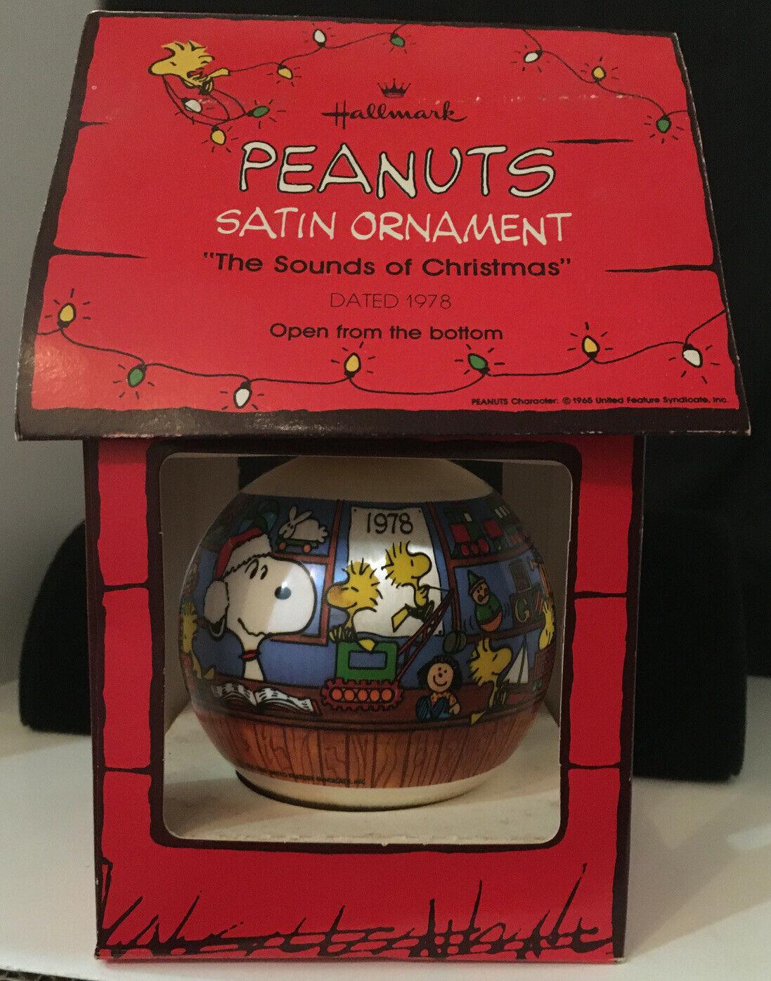 "Hallmark 1978 Peanuts Toy Store Satin Ball Ornament QX2063 ""Sounds Of Christmas"" - $48.51"